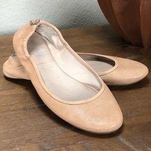 Gianni Bini Tan/Nude Leather Cushioned Ballet Flat